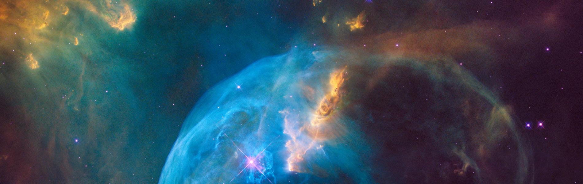 Clarken Avaruusseikkailu ja Newtonin gravitaatiolaki