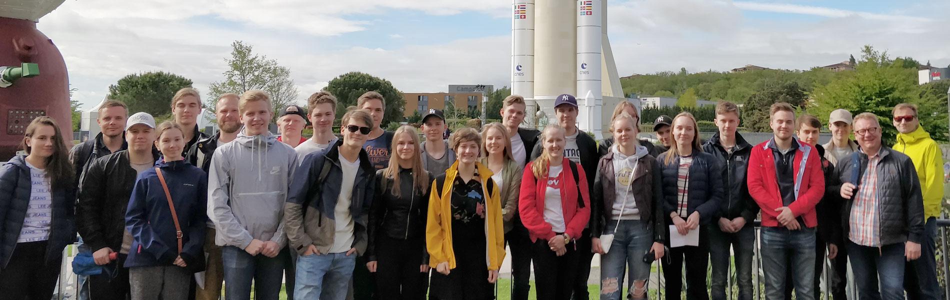 Ydinfuusiota, lentokoneita ja avaruusjuttuja – fysiikan tiedeleirikoulu Etelä-Ranskassa