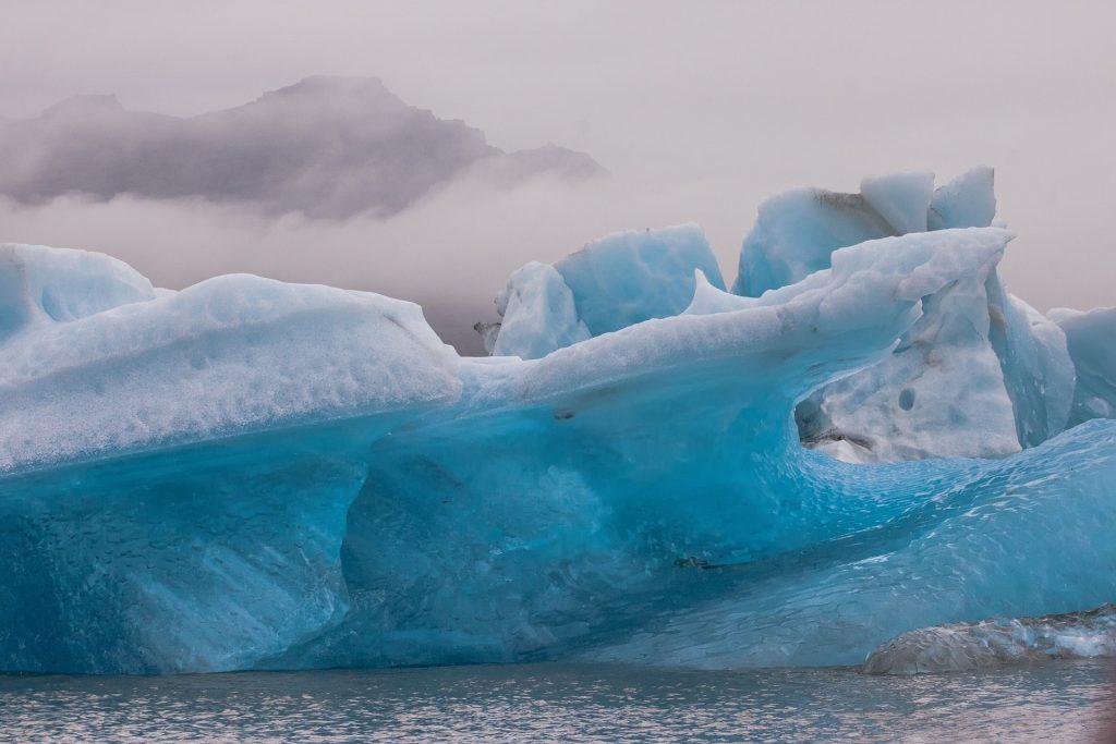 Jäätikönreuna merellä